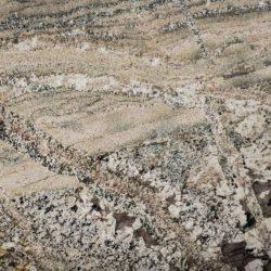 Monte Cresto-Polish (close up)